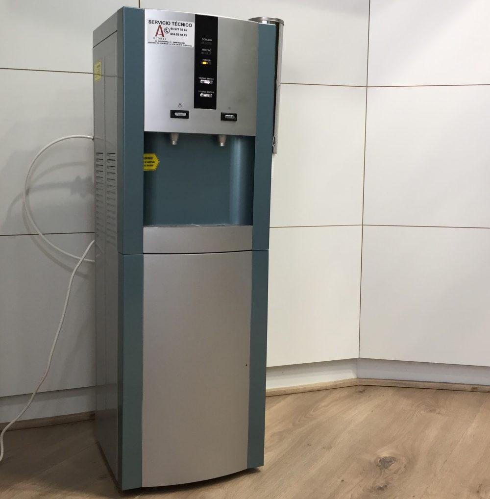Fuente de agua para oficinas y lugares p blicos filtro for Oficinas aguas de barcelona